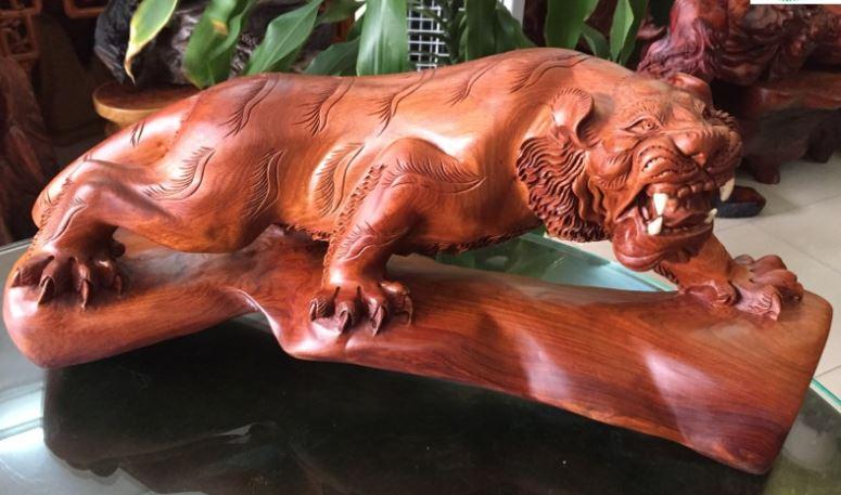 Tượng gỗ trang trí