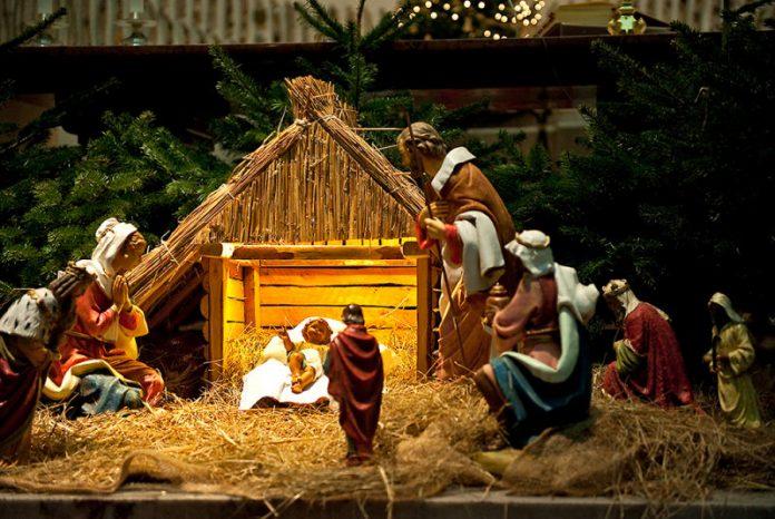 hang đá Giáng Sinh độc đáo